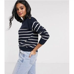•BUTTON DETAIL STRIPED SWEATER•